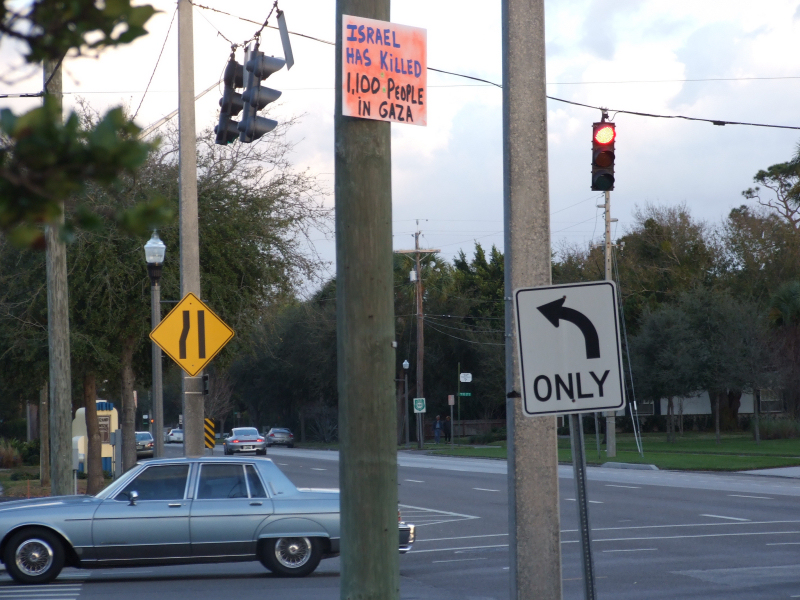 Signs supporting Gaza seen on St. Petersburg, FL streets, Jan. 19 2009