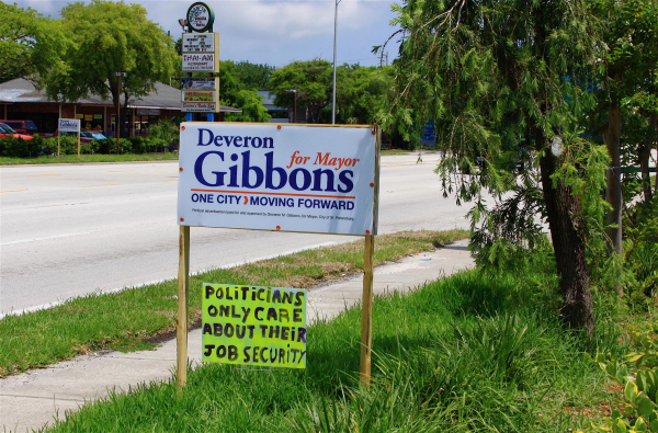 Politicians only care about their job security. Signs & banners seen in the Tampa Bay area Memorial Day 2009