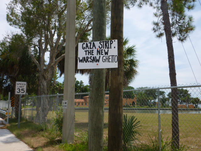Freeway blogging for Gaza - August 2014 - St. Petersburg, FL